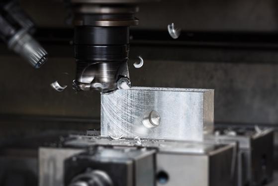 cnc rezkanje je izjemno natančen postopek obdelave kovine